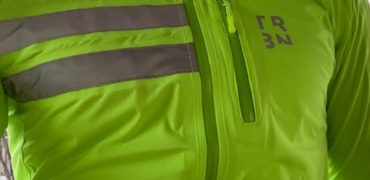 DECATHLON Triban the jacket to keep out the cold and be seen